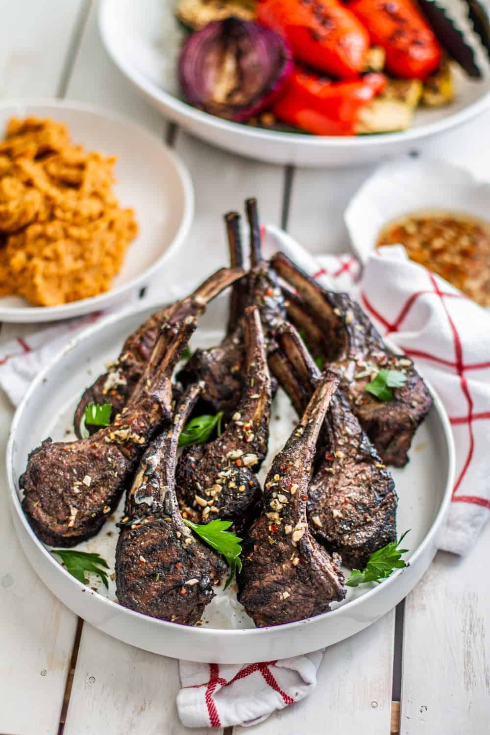 grilled lamb chops in platter