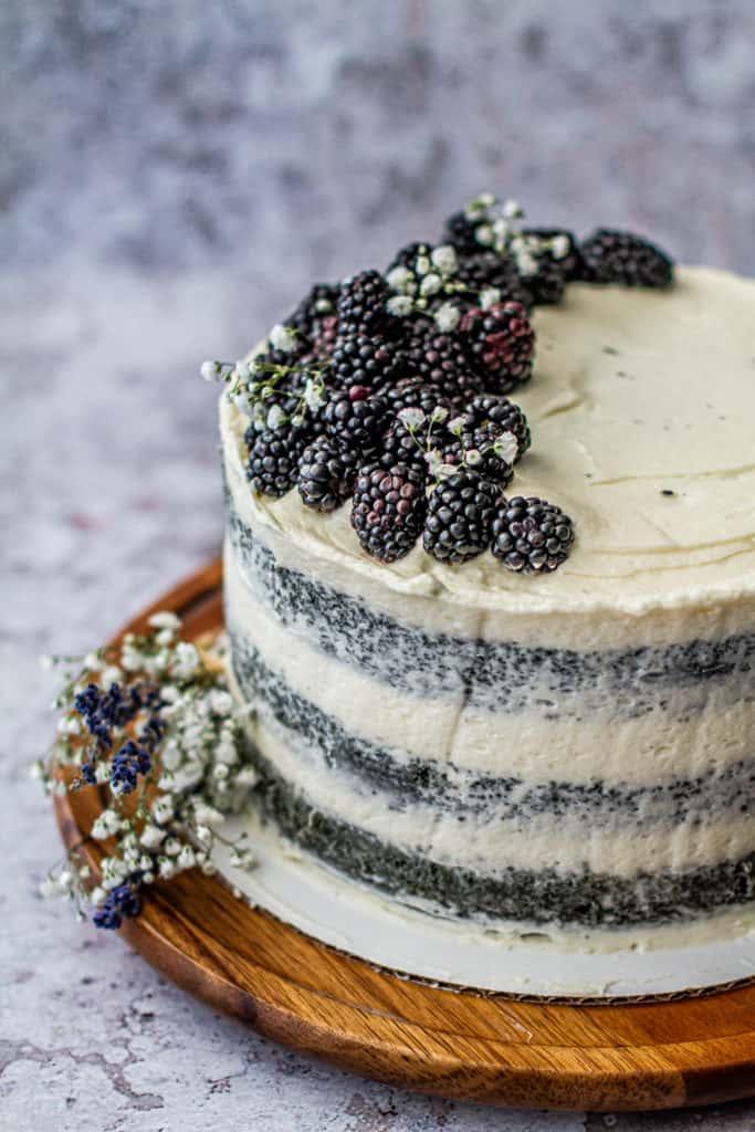 blackberry naked cake