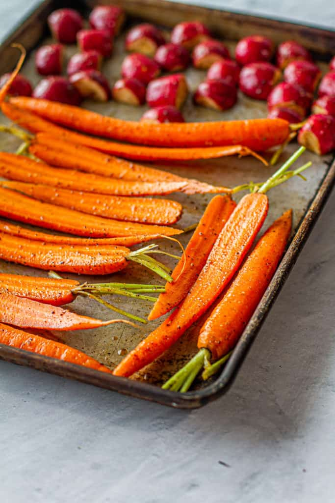 Spiced carrots and radishes or sheet pan