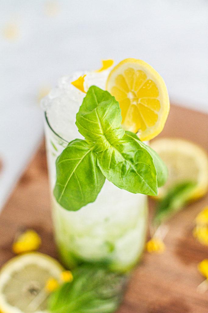 basil and lemon garnish on lemon basil mojito