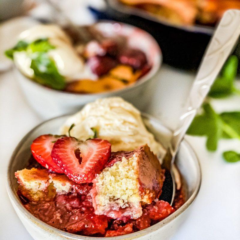 strawberry-cornbread-skillet-cobbler-5
